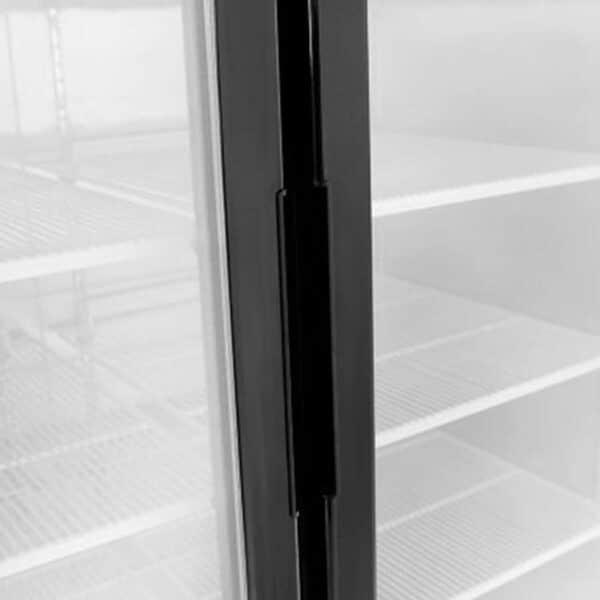 poignées porte vitrée d'une armoire froide